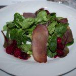 Wildschweinschinken auf Feldsalat