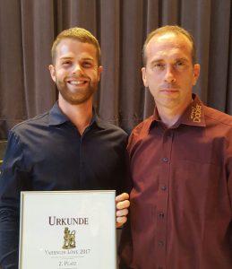 Andreas und Markus Dobler mit Urkunde des Lemberger Preises Vaihinger Löwe 2017
